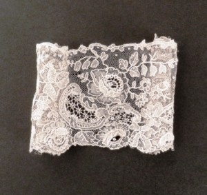 Tira de encaje antiguo de Bruselas (Bélgica) 44 x 7,5 cm #A0906