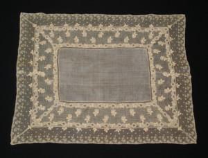 Centro de mesa de encaje antiguo Punto de Inglaterra 54 x 43 cm #A0502
