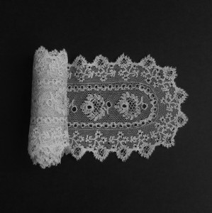Corbata de encaje antiguo de Inglaterra (Reino Unido) 102 x 10 cm #A0614