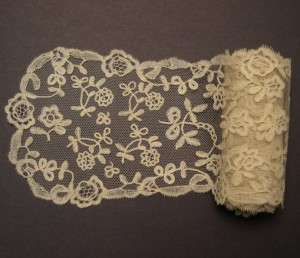 Corbata de encaje antiguo de Alençon (Francia) 134,5 x 10 cm #A0604