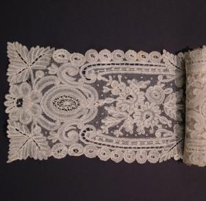 Corbata de encaje antiguo de Bruselas (Bélgica) 127 x 14,5 cm #A0610