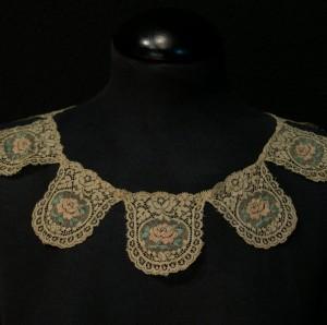 Cuello de encaje antiguo de Bucarest (Rumanía) 6,8 x 44,5 cm #A0703