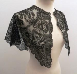 Manteleta de encaje para señorita 66 x 66 cm #A1001